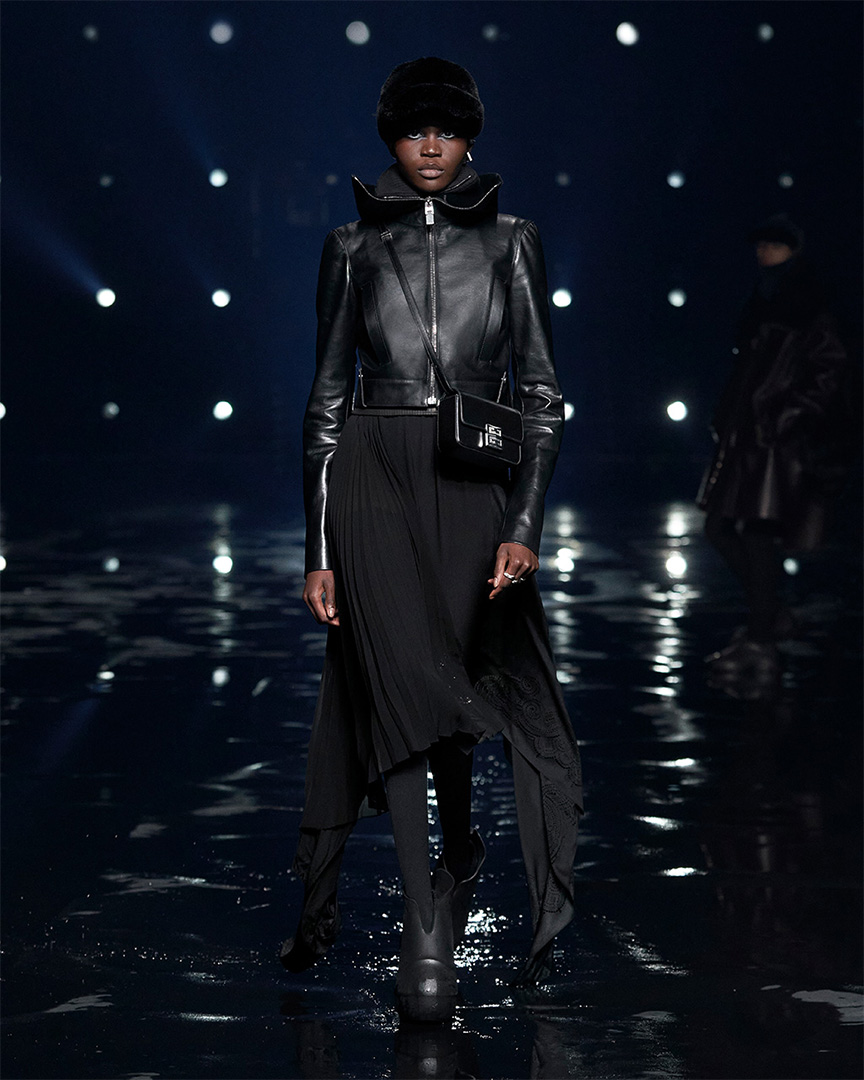 22 GIVENCHY GALLERY - PARIS FASHION WEEK